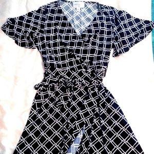 Donna Morgan Size 12 Ladies Wrap Dress